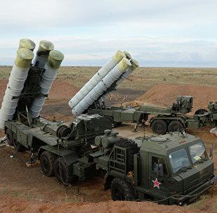 Le système russe de missiles sol-air S-400 Triumph