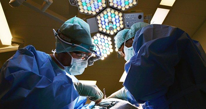 Le premier homme avec une tête transplantée sera Chinois