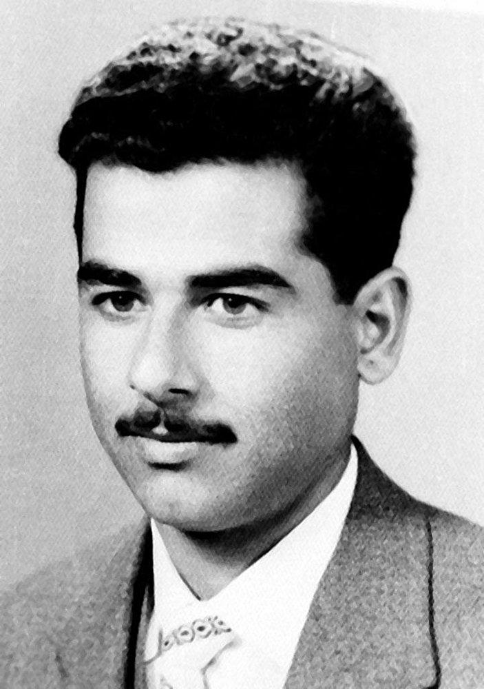 Le futur Président iraquien Saddam Hussein en 1960. La photo a été prise à Tikrit, sa ville natale.