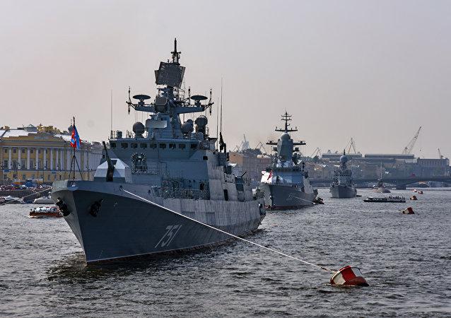 Le destroyer US dans la Baltique n'affectera pas la parade navale à Saint-Pétersbourg