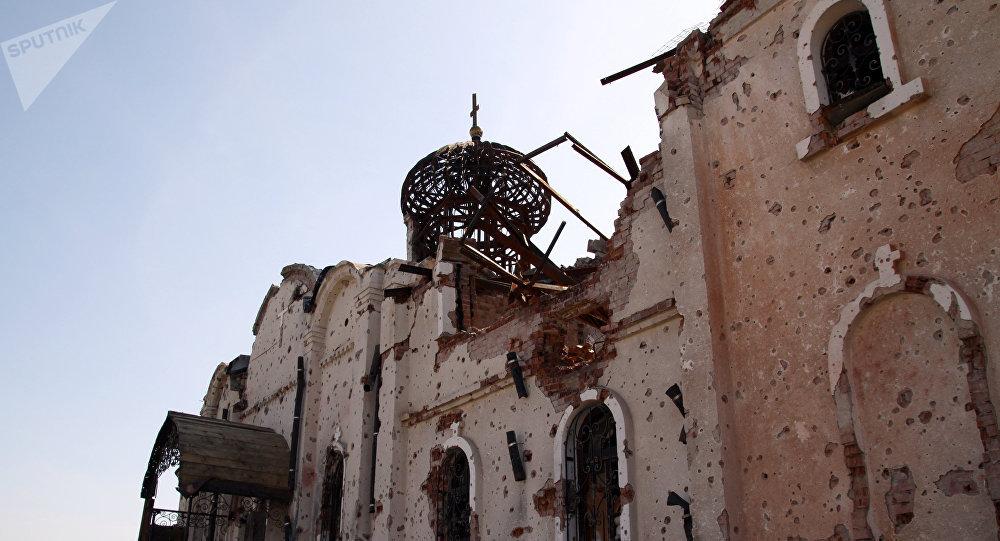 Eglise endommagée dans le Donbass