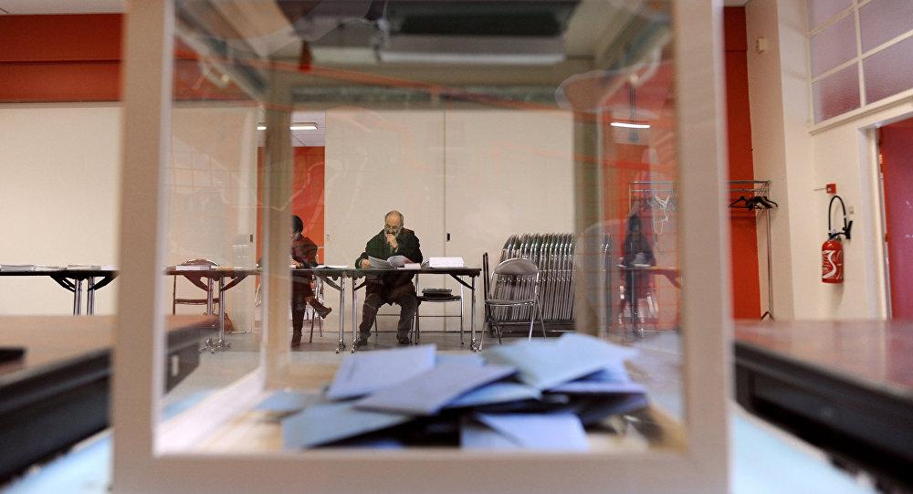 Présidentielle les premiers bureaux de vote ferment sputnik france