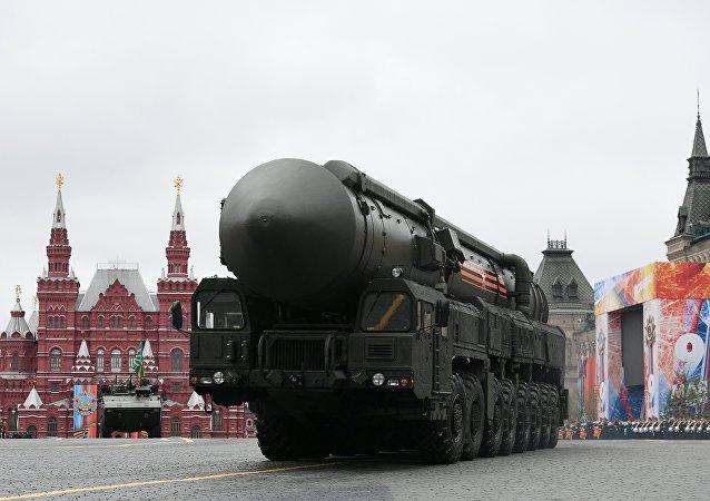 Подвижный грунтовый ракетный комплекс (ПГРК) Ярс с РС-24 на военном параде на Красной площади, посвященном 72-й годовщине Победы в Великой Отечественной войне 1941-1945 годов.