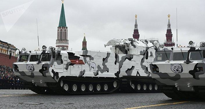 Tor-M2DT lors d'un défilé militaire à Moscou