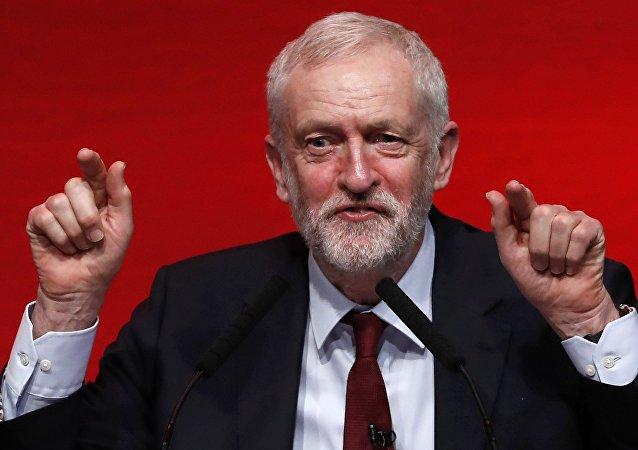 Corbyn promet d'arrêter la confrontation entre le Royaume-Uni et la Russie