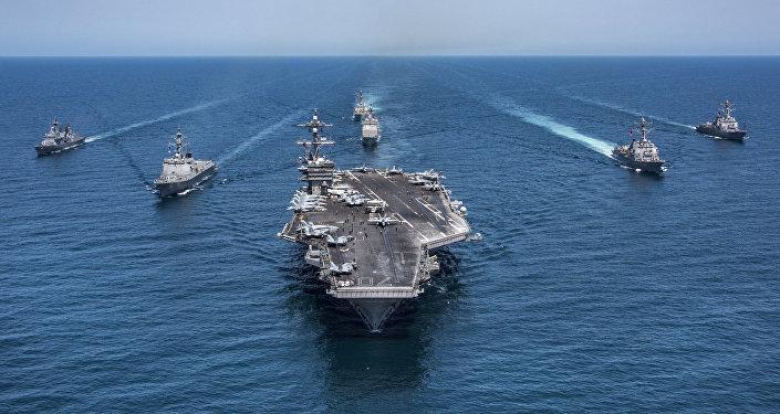 Un porte-avions USS Carl Vinson
