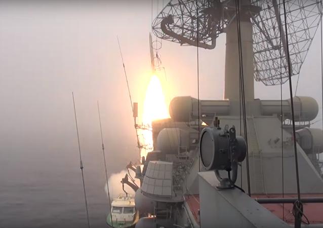 Exercices avec tirs réels de la flotte russe du Pacifique