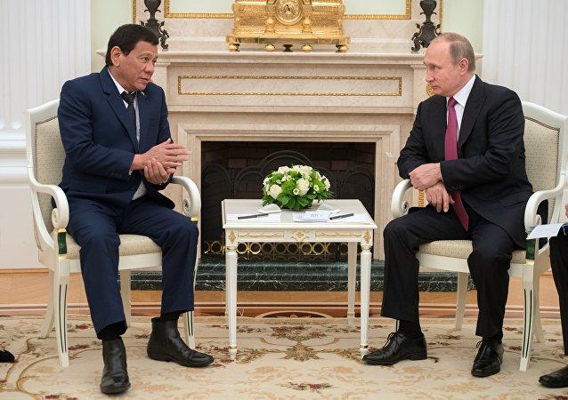 Rodrigo Duterte, lors de sa rencontre avec son homologue russe Vladimir Poutine en 2017