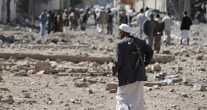 Un militant houthi à Sanaa