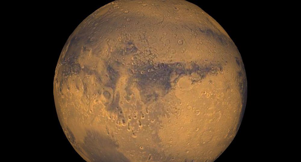 La nuit, Mars est balayée par de violentes tempêtes de neige