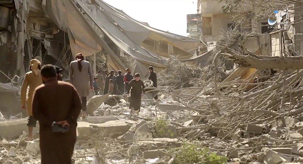 La Russie bombarde Daech près de Palmyre — Syrie