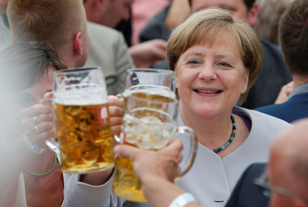 La chancelière allemande Angela Merkel au Festival de la bière à Munich