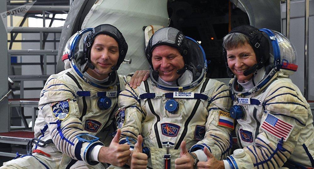 Thomas Pesquet, Oleg Novitski, Peggy Whitson