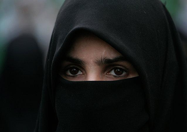 Pays-Bas l'interdiction de porter la burqa entre en vigueur