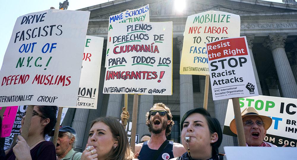 Les contre-manifestants à New-York