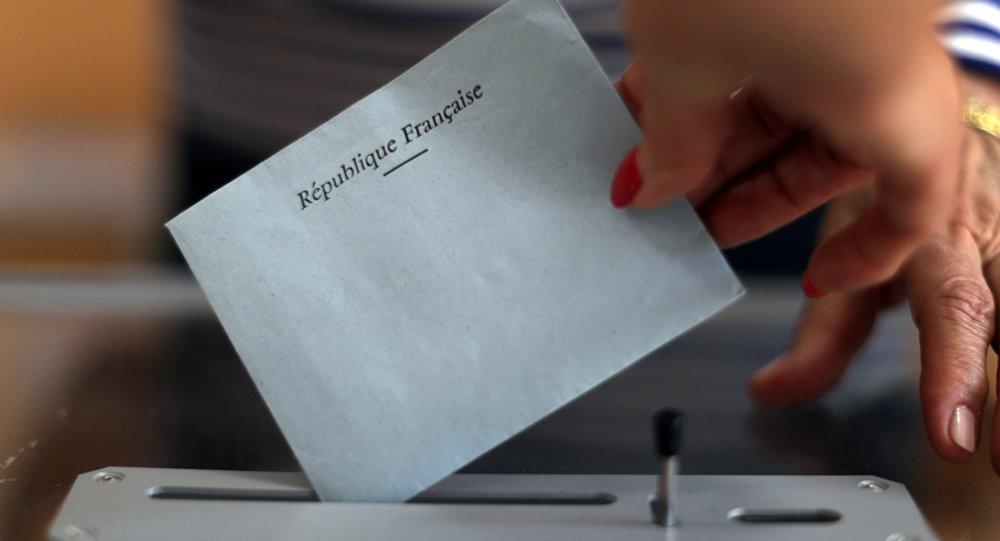 2e tour des législatives: «un sacré coup dans la tête» dont on tire les leçons