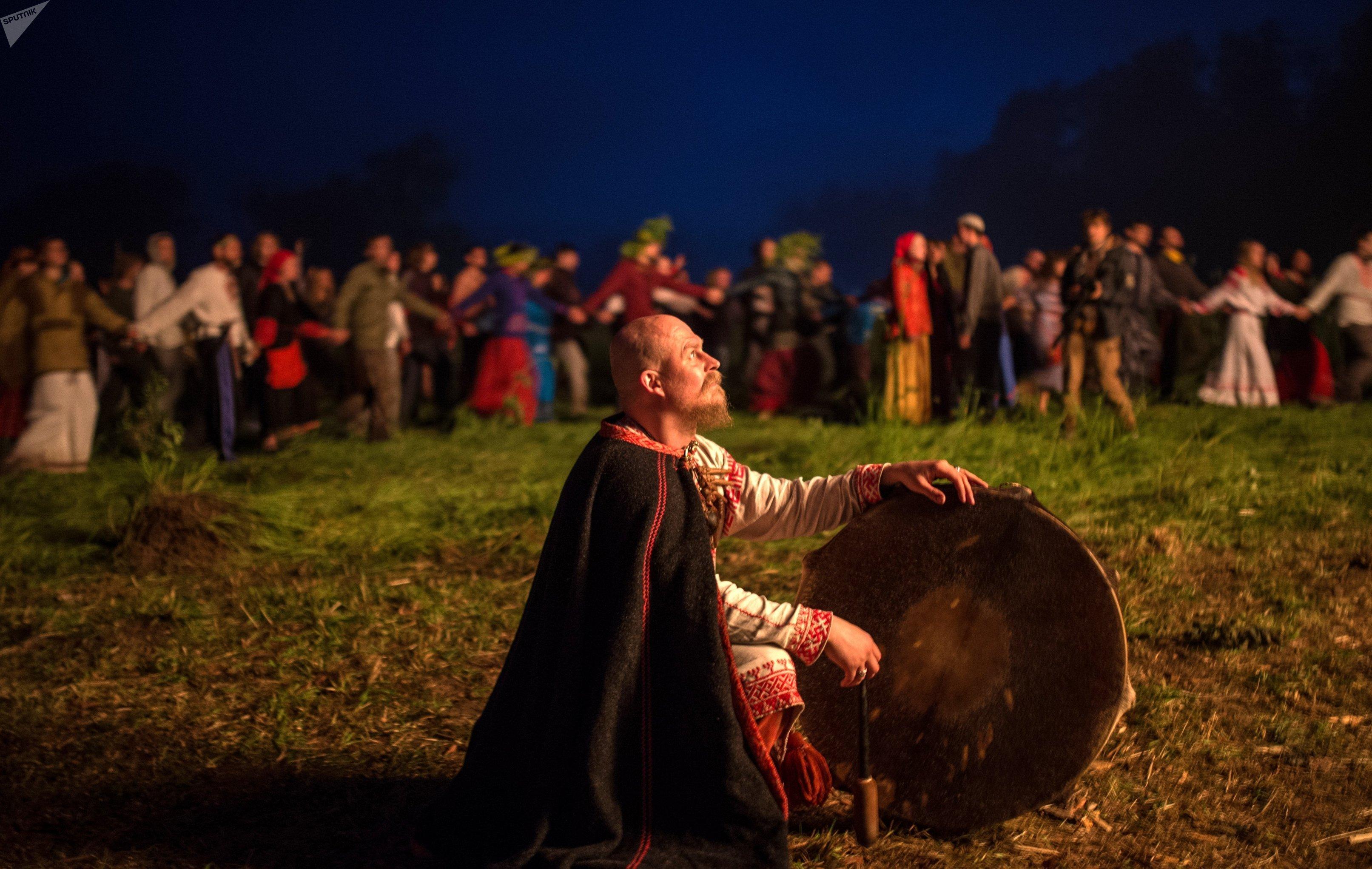 Célébration de la fête païenne de Koupala dans la région de Moscou