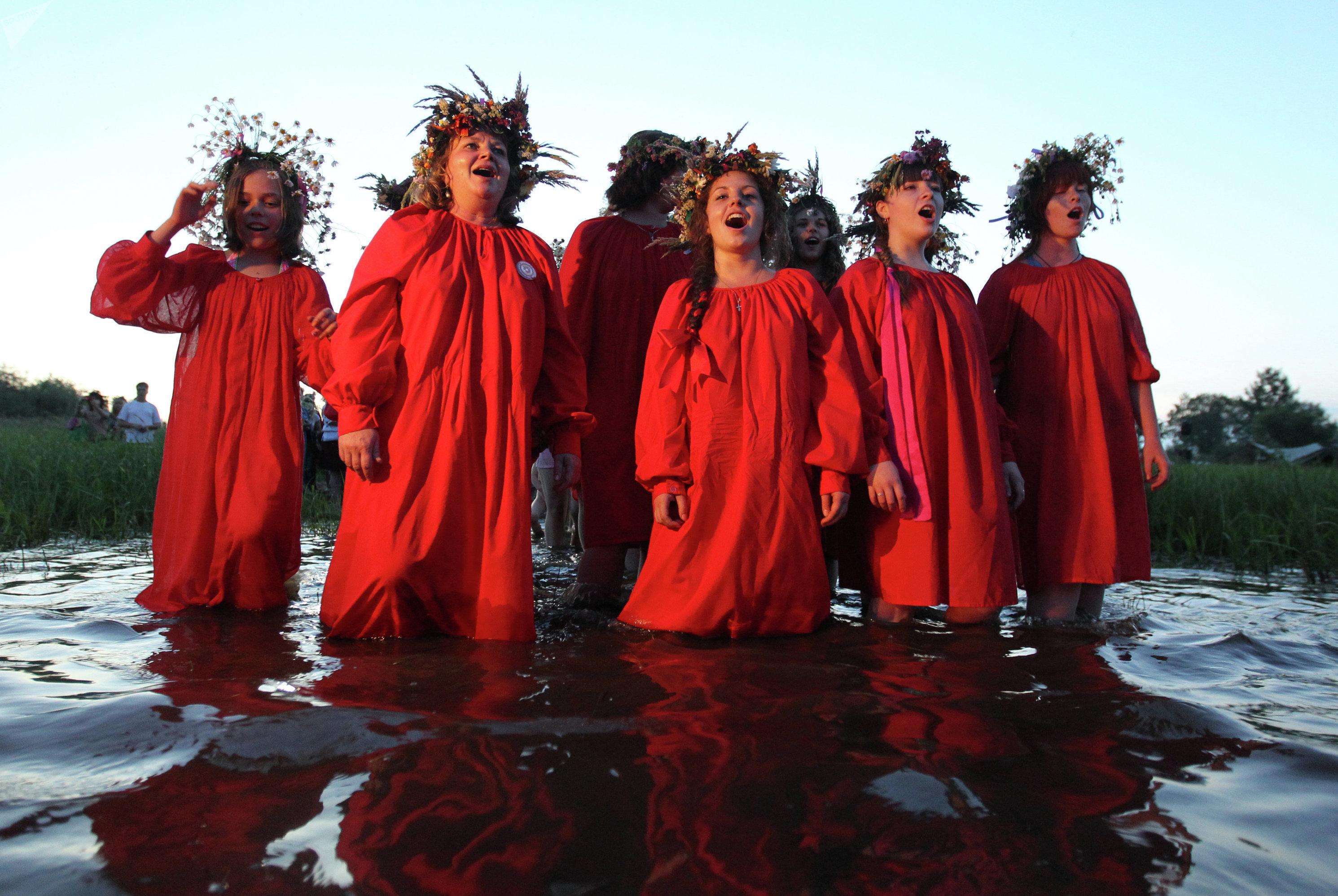 Célébration de la fête païenne de Koupala, archives