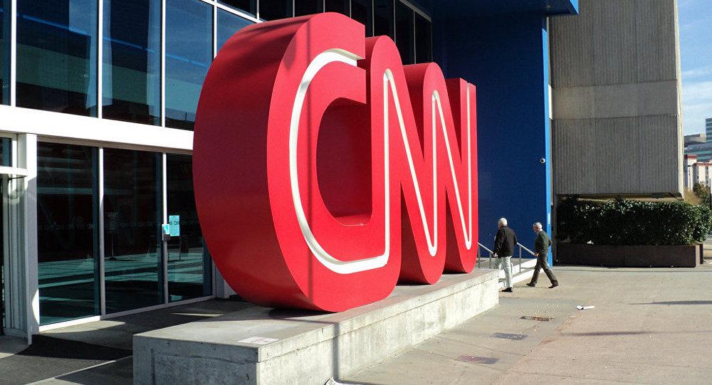 Article retiré, démissions: mauvaise passe pour CNN
