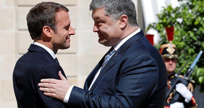 Emmanuel Macron et Piotr Porochenko