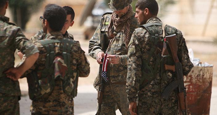 Des militaires américaines dans Raqqa aux côtés des FDS