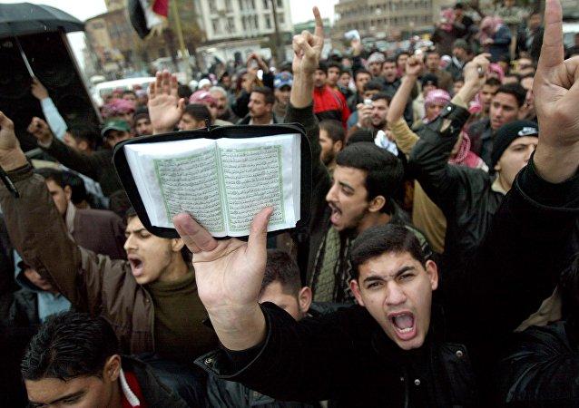 En 2006 le journal danois Jyllands-Posten a publié 12 caricatures du prophète Mahomet. Le lendemain, des millions de musulmans offusqués ont défilé dans les rues.