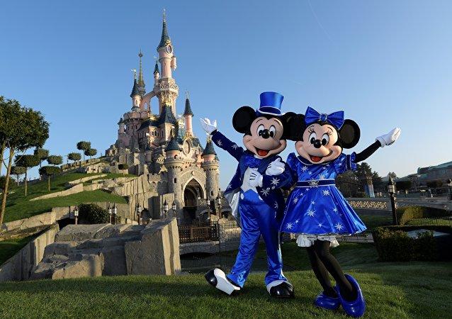 Disneyland Californie augmente ses prix pour lutter contre les files d'attentes. Image d'illustration