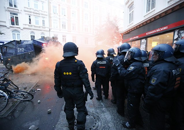 Près de 500 policiers blessés dans les émeutes à Hambourg lors du G20