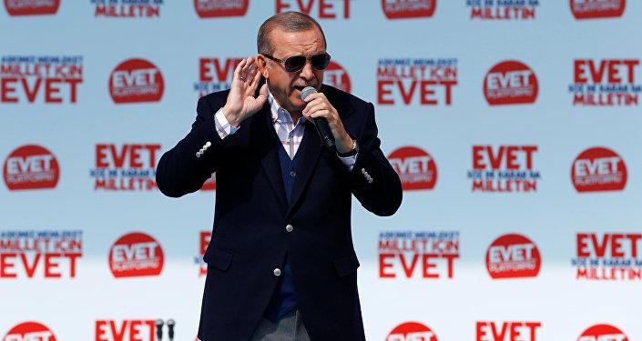 Turquie: Gülen dénonce le