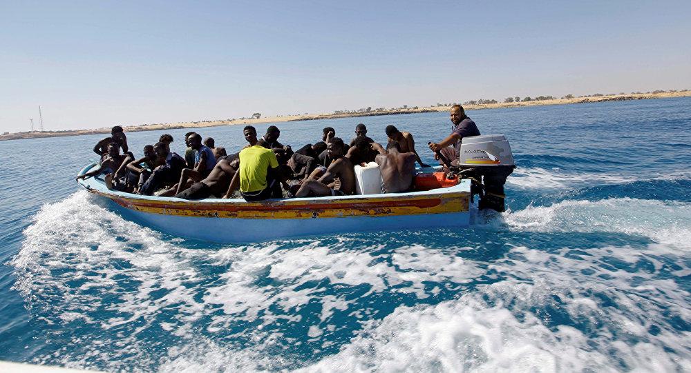 L'UE interdit l'exportation de bateaux pneumatiques et de moteurs hors-bord vers la Libye