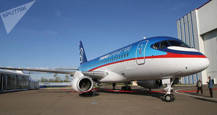 Le Mexique prêt à acheter 10 avions SSJ100 supplémentaires à la Russie
