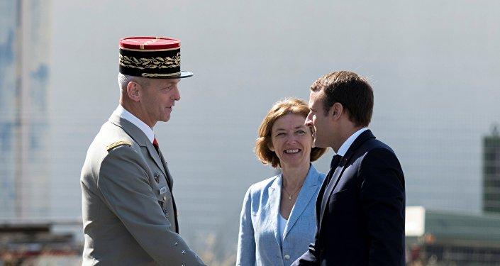 Renseignement, logistique, les dépendances des armées françaises en Afrique 1032322292