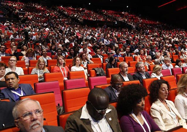 L'ouverture de la 9e Conférence internationale sur le sida à Paris