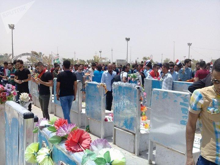 Des Irakiens honorent la mémoire de leurs concitoyens morts dans la lutte contre Daech