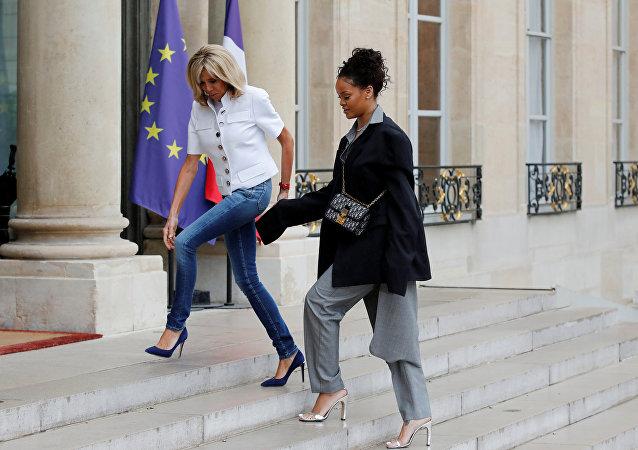 Rihanna et la Première dame française Brigitte Macron