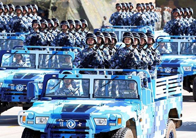 Défilé militaire géant en Chine