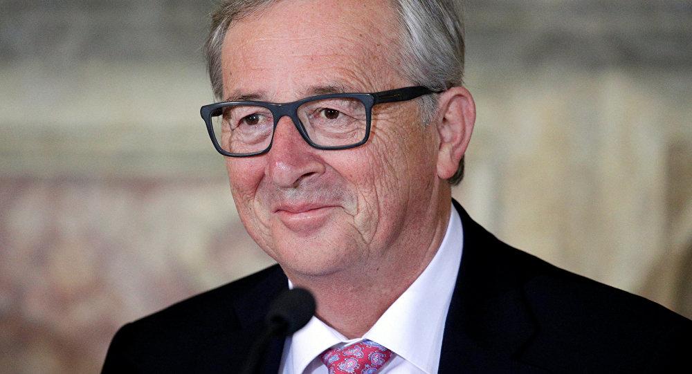 Jean-Claude Juncker titubant au sommet de l'OTAN : alcoolisme ? non, sciatique