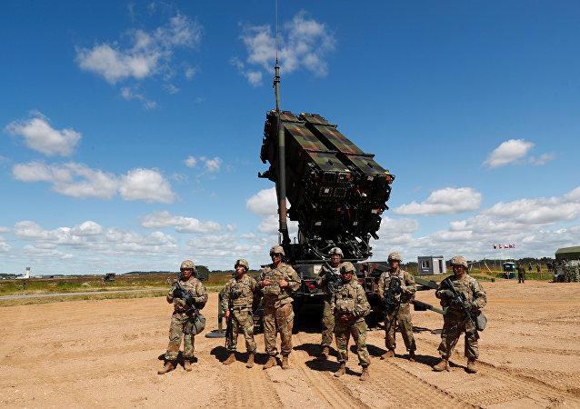 Patriot et les soldats américains (photos d'archives)