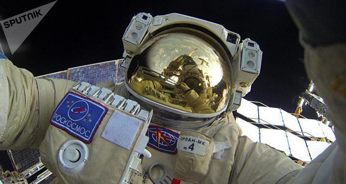 La promenade en espace du cosmonaute russe Sergei Volkov, le 3 février 2016