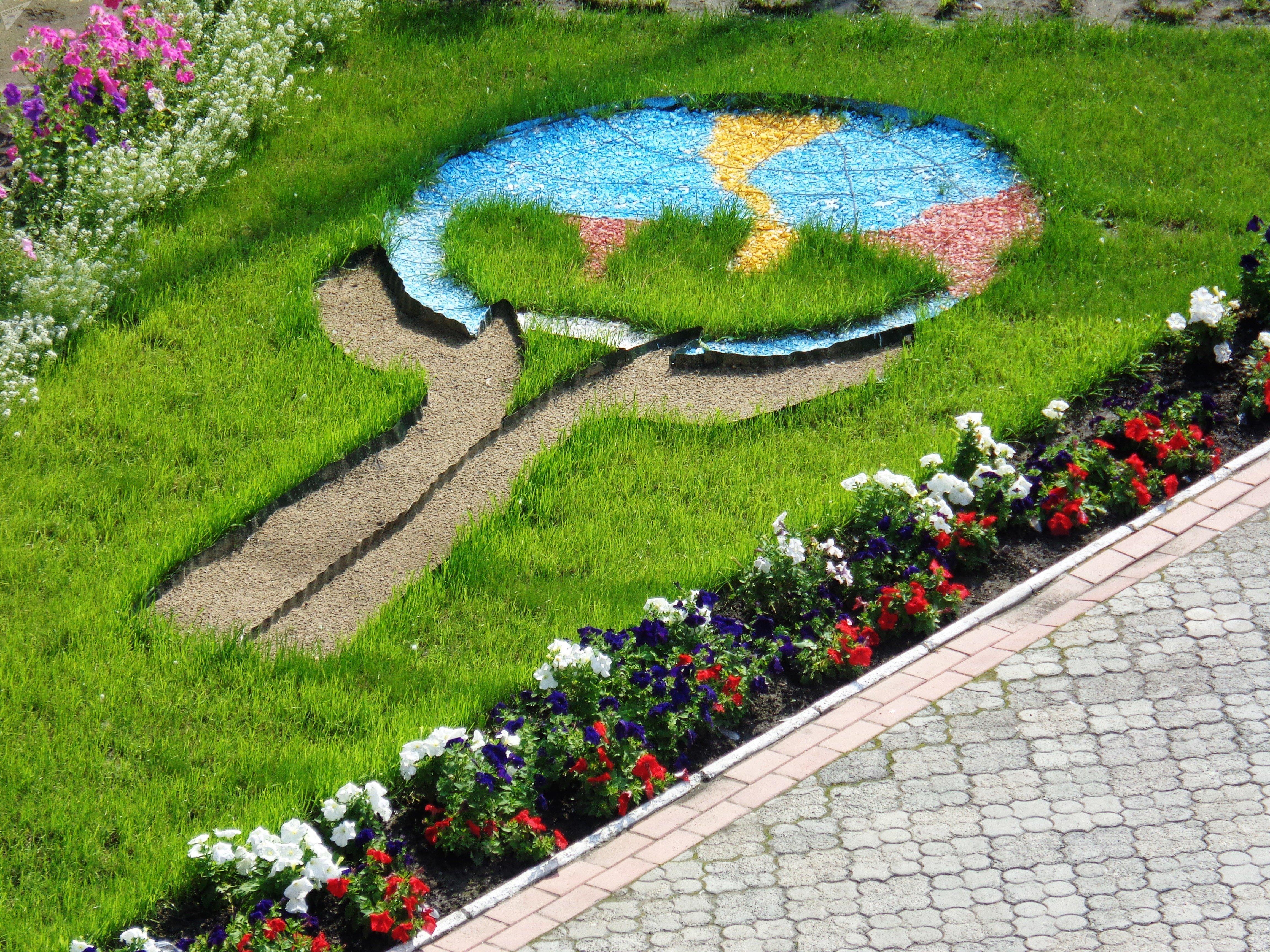 le jardin d'une colonie pour femmes en Sibérie