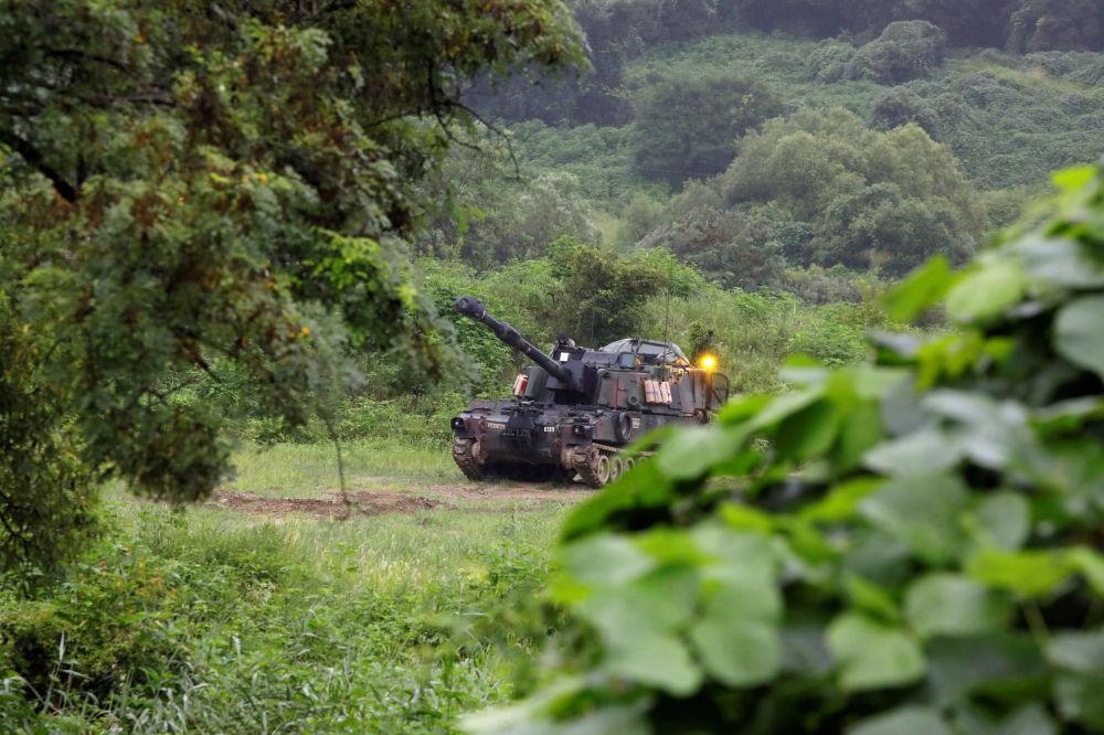Un canon automoteur américain M109 lors de manœuvres à Paju, en Corée du Sud