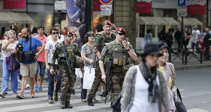 Des soldats de l'opération Sentinelle