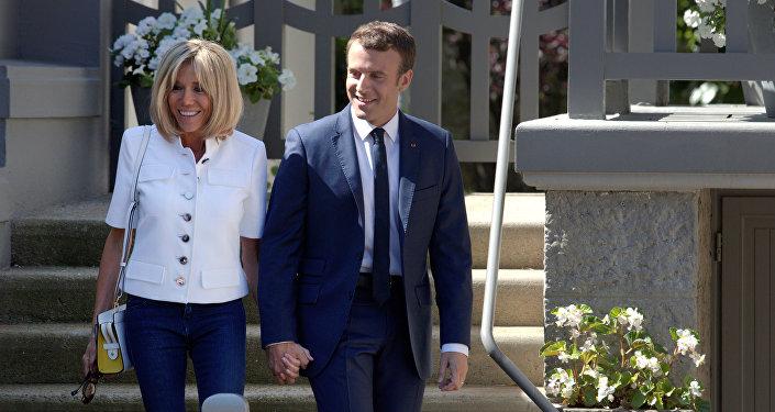 Emmanuel Macron et Brigitte Macron