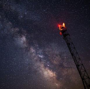Ciel étoilé observé dans la région de Krasnodar pendant la pluie d'étoiles filantes des Perséides