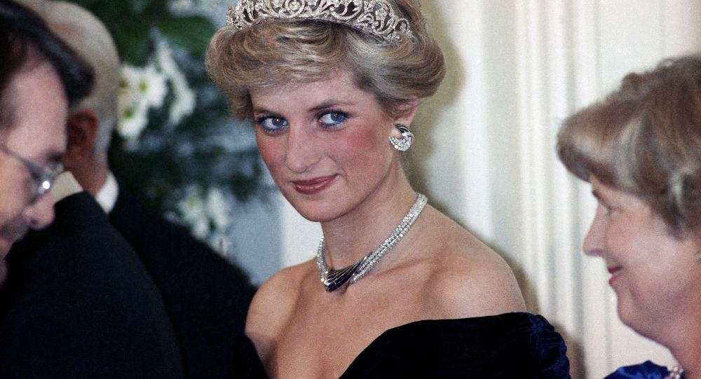 La princesse Diana à la réception en l'honneur des membres de la famille royale à Bonn, Allemagne, 1987