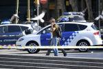 La police sur les lieux de l'attaque de Barcelone, en Espagne, où un véhicule a percuté la foule
