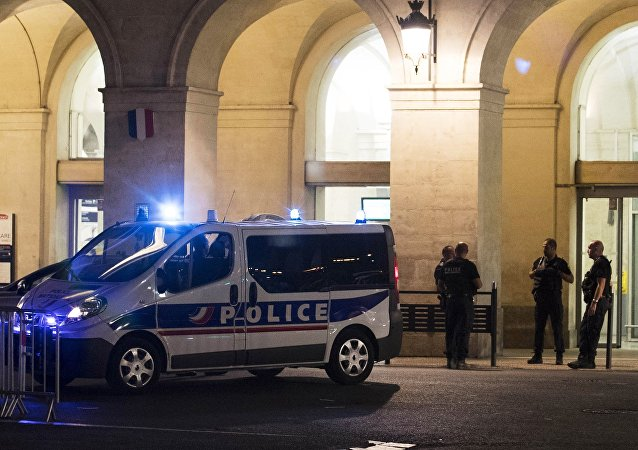 Que s'est-il vraiment passé hier soir en gare de Nîmes?
