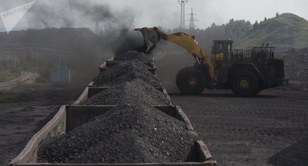 Pourquoi Macron ne tiendra pas sa promesse de fermer toutes les centrales à charbon avant 2022