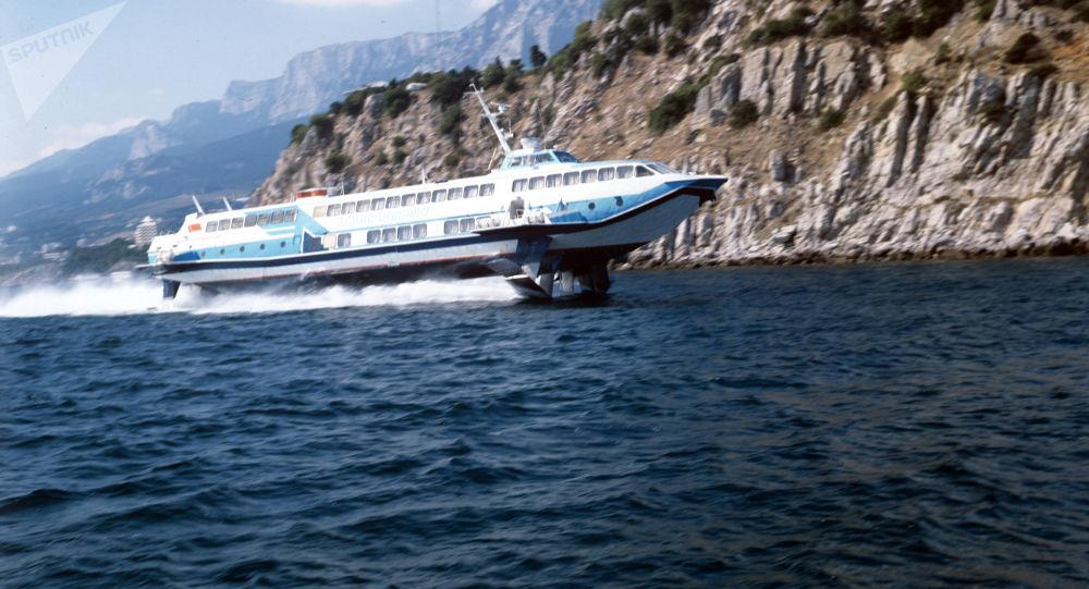 l 39 histoire des hydropt res ces bateaux volants hyper rapides sputnik france. Black Bedroom Furniture Sets. Home Design Ideas