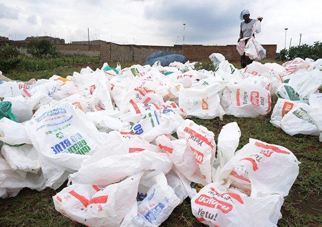 Au Kenya, utiliser les sacs plastiques est désormais passible de prison